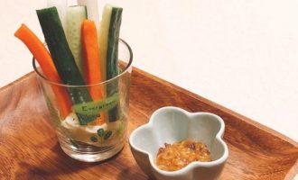 まぐろ味噌で野菜ディップ